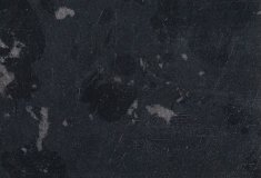 Tegel : Brasilian Black gezoet + facet